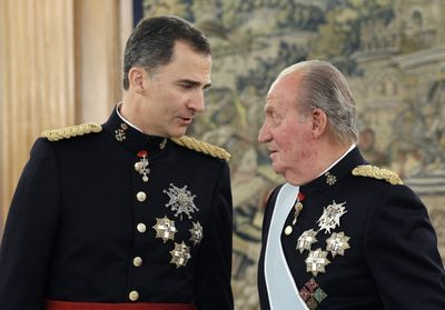 L'ancien roi Juan Carlos, soupçonné de corruption, s'exile du royaume d'Espagne