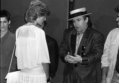 Lady Di et Elton John : au nom de leur amitié, le chanteur prend la défense du prince Harry et Meghan Markle
