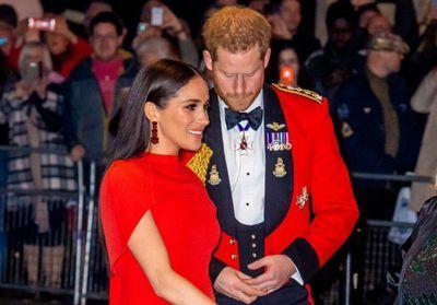 Meghan Markle et Harry font sensation en rouge pour un de leurs derniers engagements avec la famille royale !