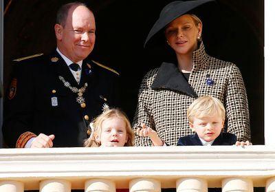 Que pensez-vous de la carte de vSux d'Albert et Charlène de Monaco et leurs enfants ?