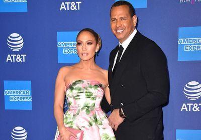 Jennifer Lopez et Alex Rodriguez, couple sublime sur le tapis rouge du Palm Springs Festival