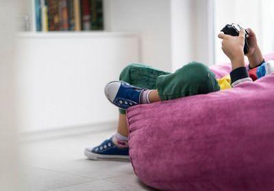 S.O.S. Il est accro aux jeux vidéo !