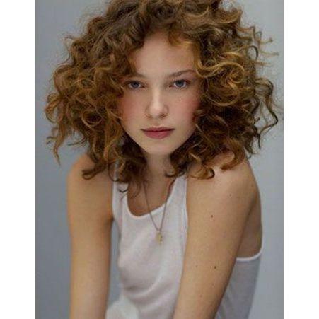 Coiffure visage rond cheveux fris s 40 coiffures canon pour les visages ronds elle - Coiffure pour cheveux frises ...