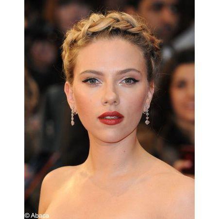 La tresse couronne de scarlett johansson coiffure on adopte les tresses des stars elle - Scarlett prenom ...