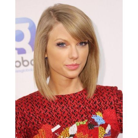 2014 taylor swift et son carr plongeant taylor swift l 39 volution coiffure d 39 une fille. Black Bedroom Furniture Sets. Home Design Ideas