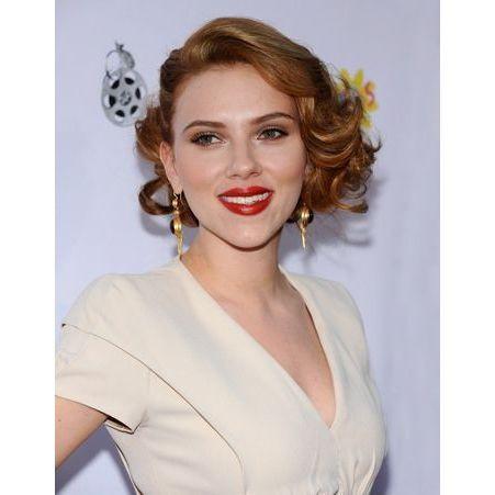 Le carr roux r tro de scarlett johansson coiffures ces stars qui ont os changer de t te elle - Scarlett prenom ...