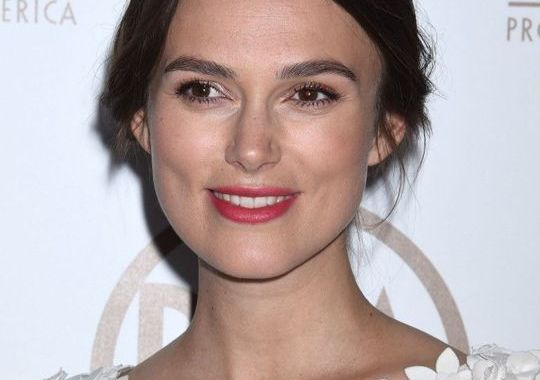 Keira Knightley : une future maman radieuse sur tapis rouge