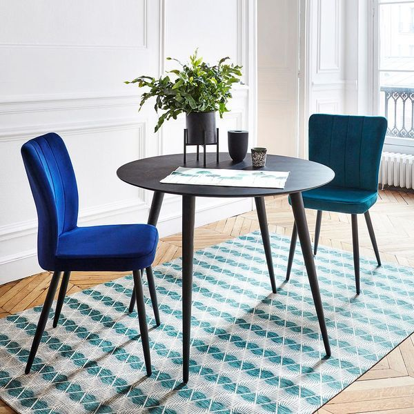 03 Chaise en velours bleu But