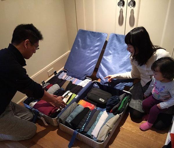 Comment faire sa valise comme Marie Kondo, la pro du rangement ? - Elle Décoration