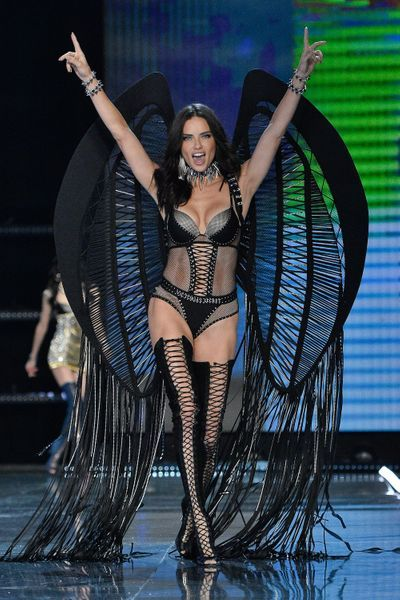 Adriana-Lima-bd2-GettyImages-876837522-1