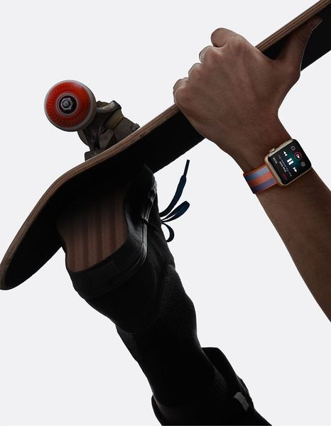 AppleWatch-Lifestyle_Spring17_Skate_Portrait-SCREEN