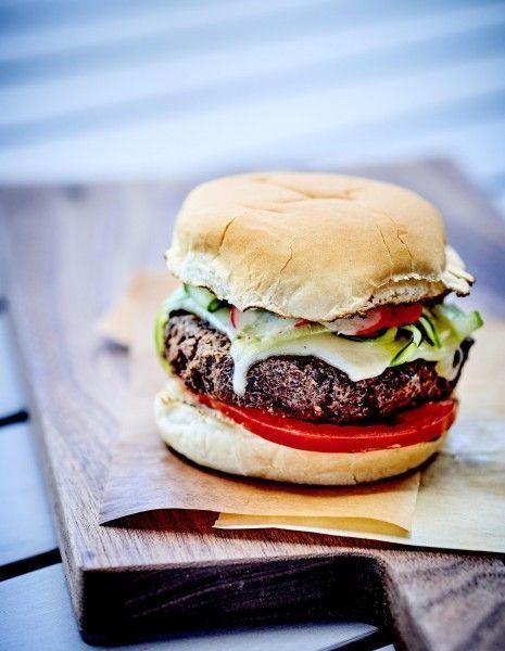Hamburgers-vegetariens-pickles-de-radis-et-de-concombre_reference