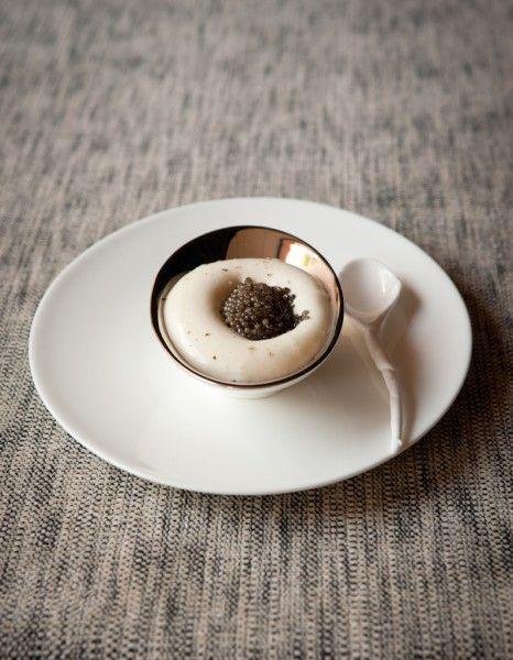 Puree-de-pommes-de-terre-reblochon-et-caviar-en-entree_reference