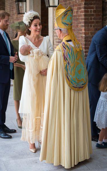 Kate Middleton   pourquoi portait-elle (encore) une robe Alexander ... 4d3f7220922