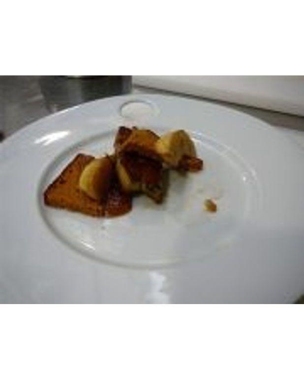 feuillet de foie gras po l au pain d 39 pices pour 6 personnes recettes elle table. Black Bedroom Furniture Sets. Home Design Ideas