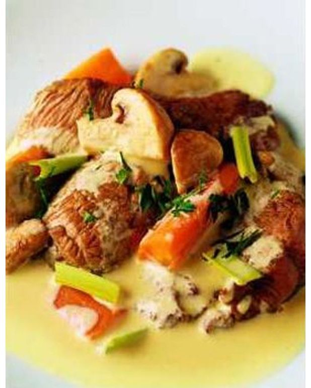 blanquette de veau pour 4 personnes recettes elle table. Black Bedroom Furniture Sets. Home Design Ideas