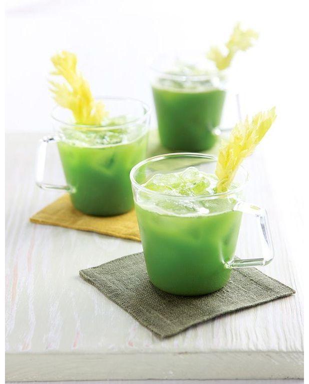 Boisson anti gueule de bois chou c leri pour 2 personnes - Que faire avec les feuilles de celeri ...