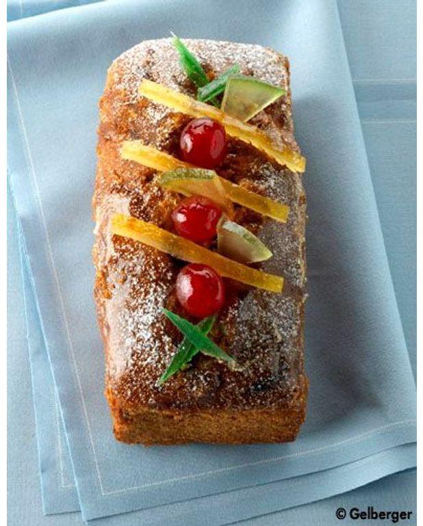 cake aux fruits confits pour 8 personnes recettes elle table. Black Bedroom Furniture Sets. Home Design Ideas