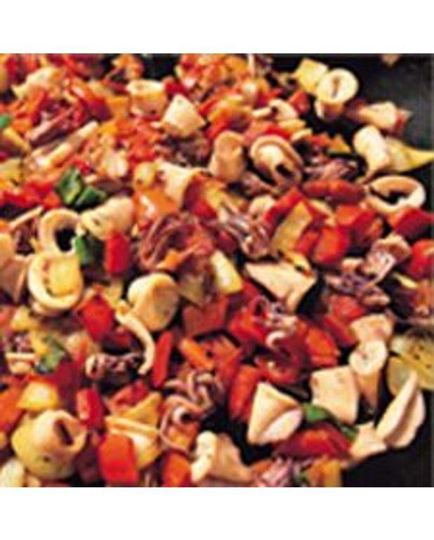 Calamars aux l gumes bbq pour 6 personnes recettes elle table - Recette calamar grille barbecue ...