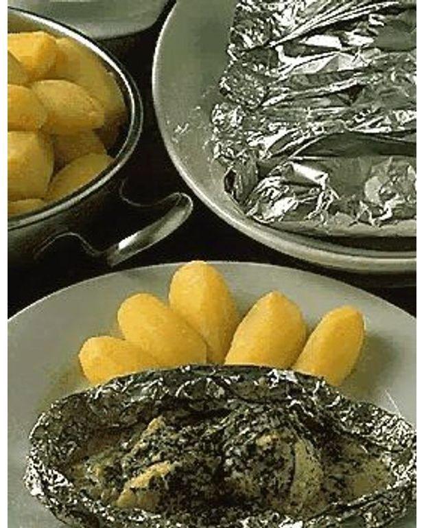 Lotte en papillotes pour 4 personnes recettes elle table - Lotte al armoricaine recette cuisine ...