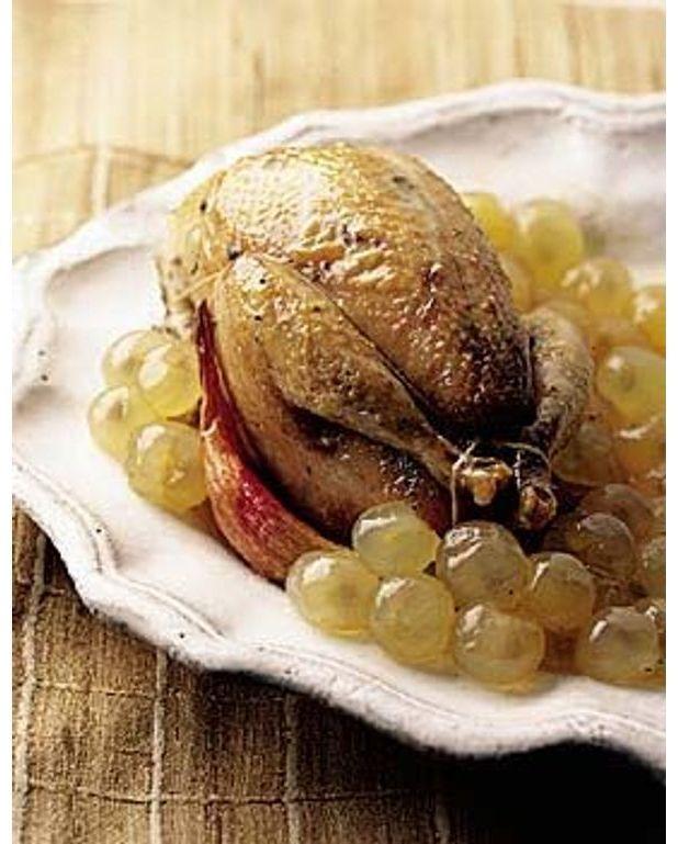 Perdreaux r ties en cocotte au chasselas pour 4 personnes recettes elle table - Recette manchons de canard en cocotte ...