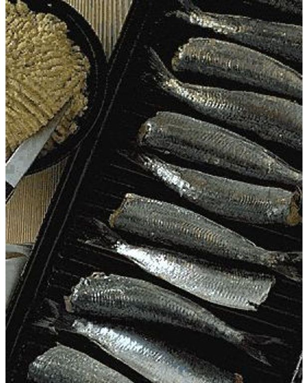 sardines au beurre d 39 pices pour 4 personnes recettes elle table. Black Bedroom Furniture Sets. Home Design Ideas