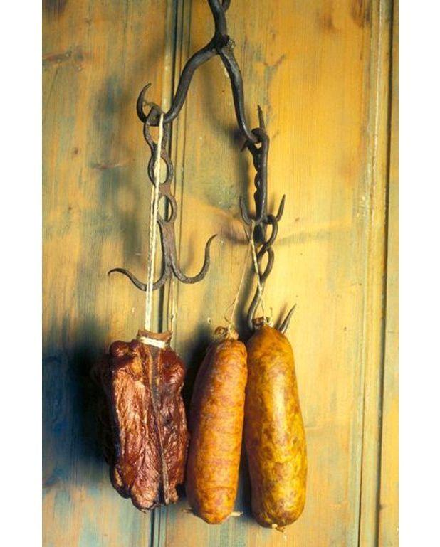 Saucisses de morteau recettes elle table - Recette avec saucisse de morteau ...