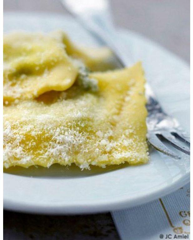 Tortelli aux feuilles de blettes pour 4 personnes - Comment cuisiner des feuilles de blettes ...