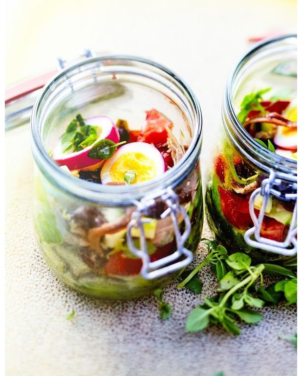 Salade pan bagnat en bocal pour 6 personnes recettes elle table - Salade en bocal ...