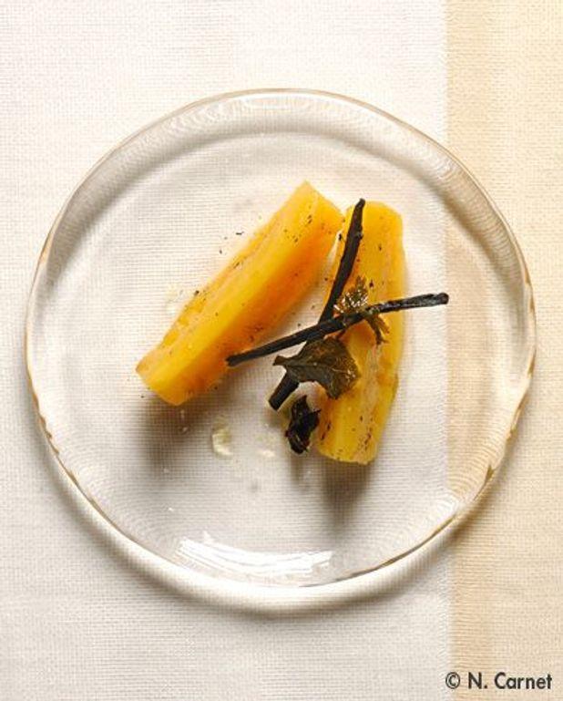 Ananas aux herbes et aux épices