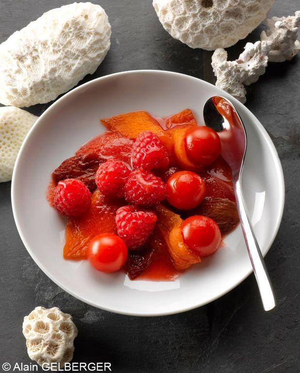 Tomates et framboises, fève tonka