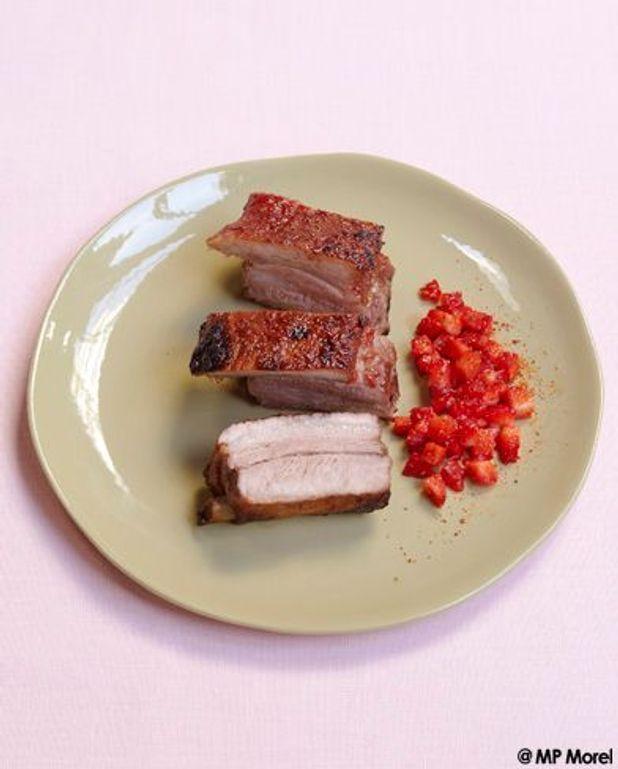 Travers de porc caramélisé à la fraise