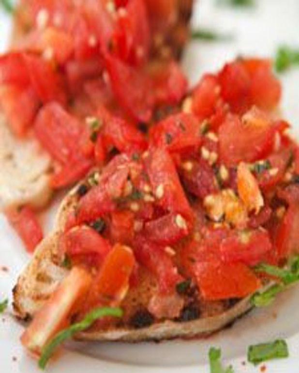 Bruschetta aux tomates et pesto