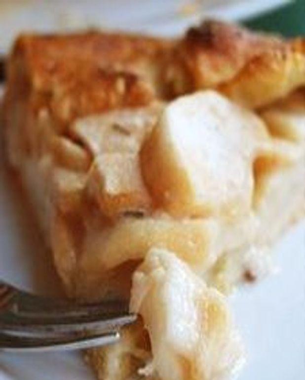 Galette aux pommes et au romarin, en croûte au parmesan