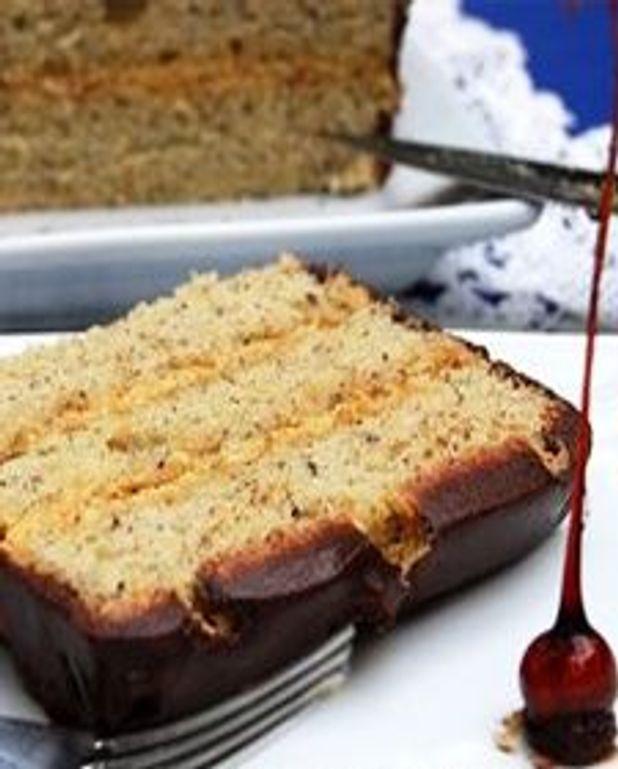 Gâteau aux noisettes à la crème au beurre pralinée
