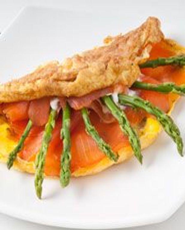 Omelette saumon, asperges et ricotta