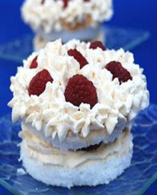 Petits gâteaux des anges aux framboises et crème de mascarpone