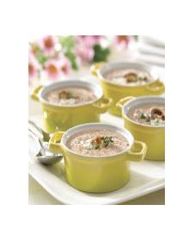 Soupe aux champignons sauvages et aux noix