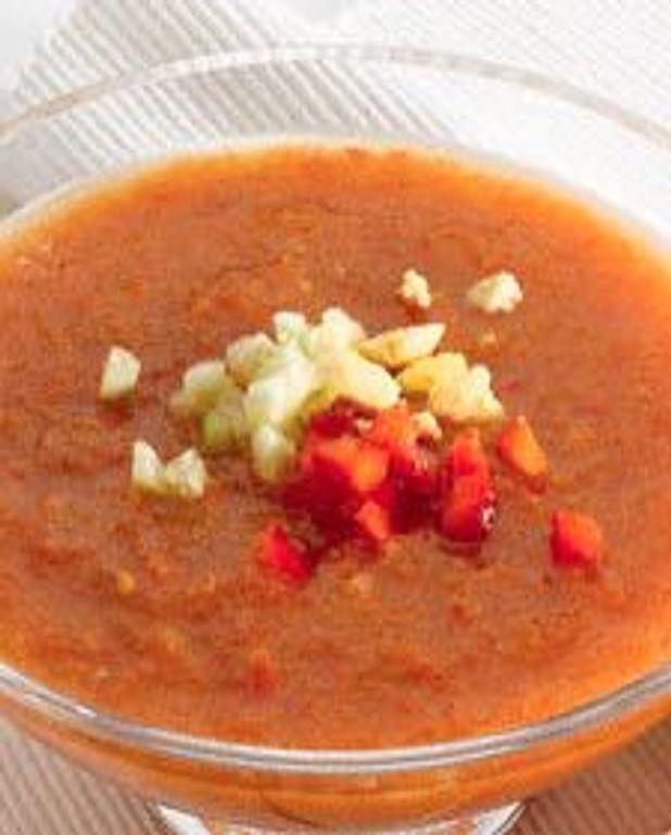 Soupe aux poivrons rouges et à la lime