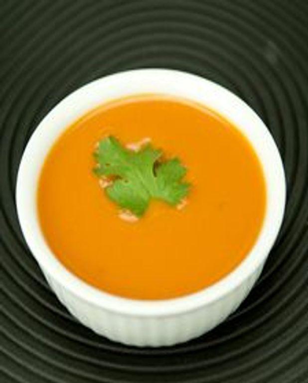 Velouté froid à la tomate épicée