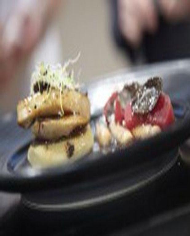Cabillaud truffé, coulis d'ortie et escalope de foie gras poêlé