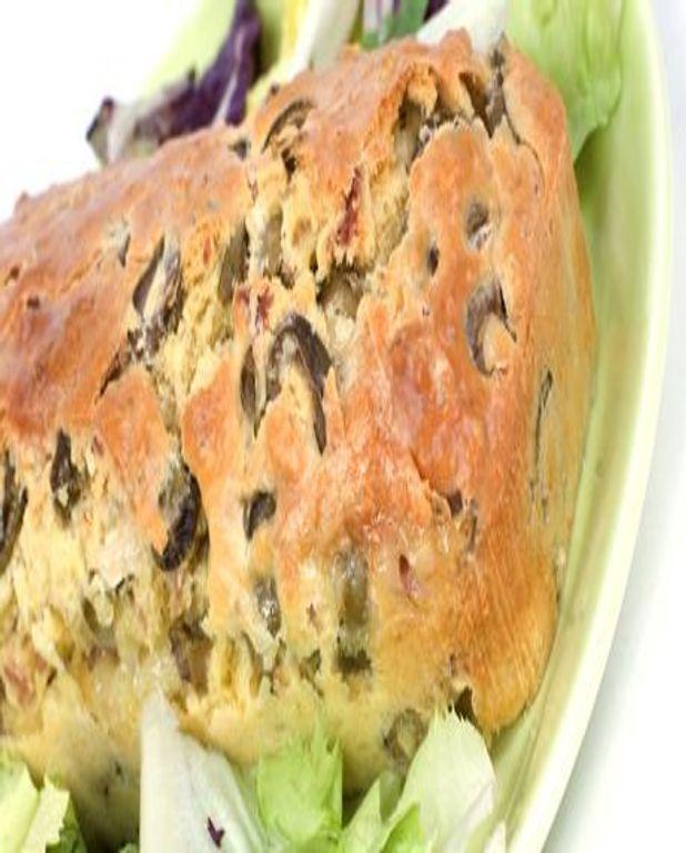 Cake aux olives et au romarin