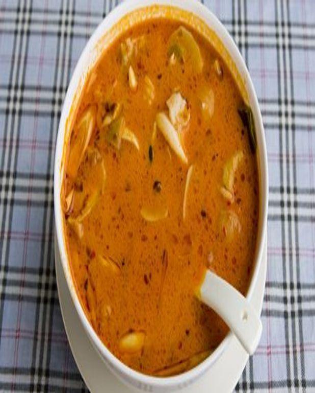 Calmars marinés en soupe à l'oignon et au parmesan