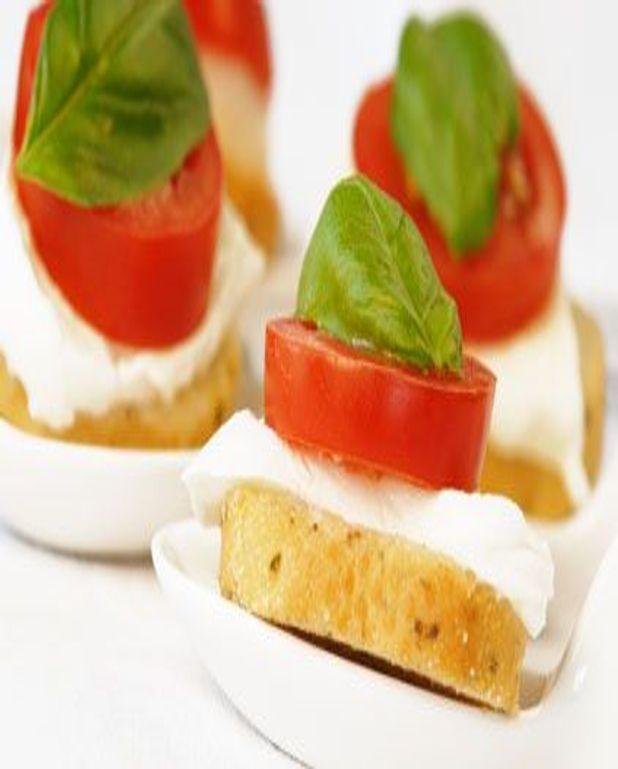 Canapés tomate mozzarella