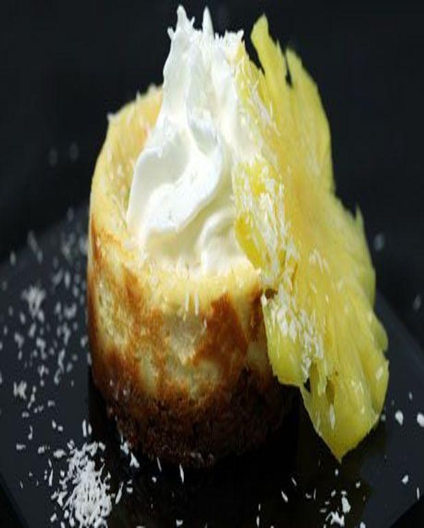 Cheese cake coco rhum et ananas, chantilly au lait de coco