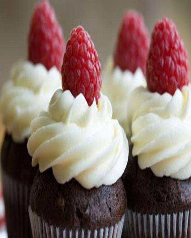 Cupcakes chocolat au coeur de framboises