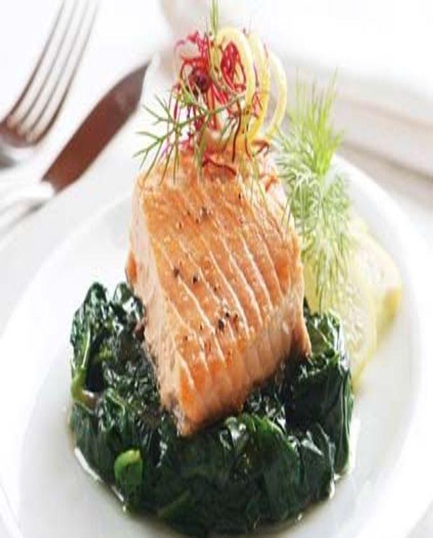 Filet de saumon aux palets d'épinards
