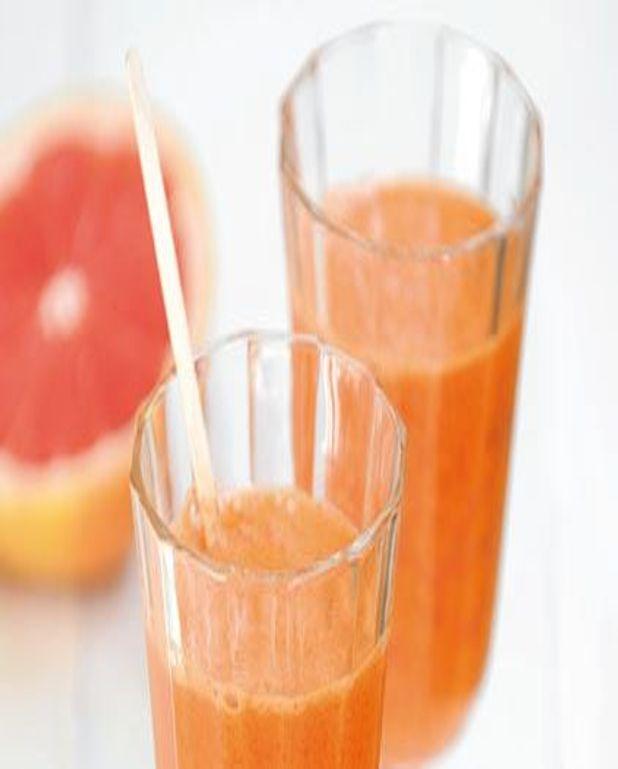 Jus de pamplemousse, carottes et gingembre frais