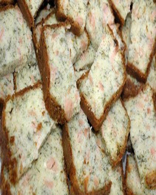 Petits cakes au saumon fumé, courgette et mimolette