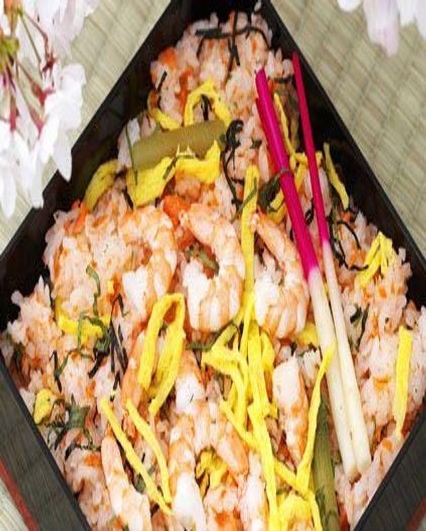 Riz sauté aux crevettes et basilic thaï
